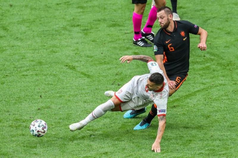 Дубль Вейналдума, гол Деппа. Нидерланды уверенно выиграли и матч, и группу